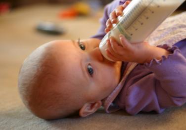 Πλαστικά μπιμπερό: κάλλιο γαϊδουρόδενε... (Photo Flickr/voglesonger)
